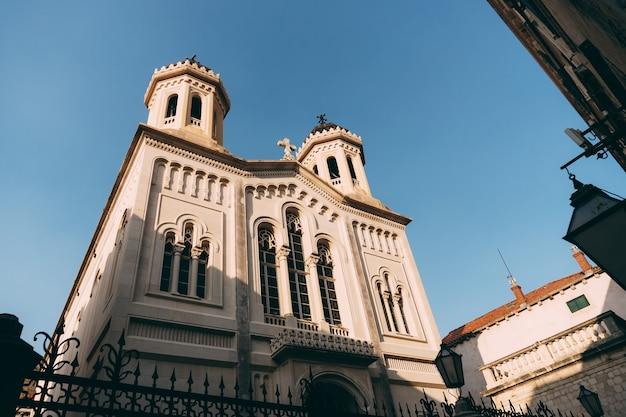 ドゥブロヴニククロアチアの旧市街にある聖なる告知教会のファサード