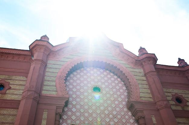 Фасад церкви с лепниной. ужгород, украина