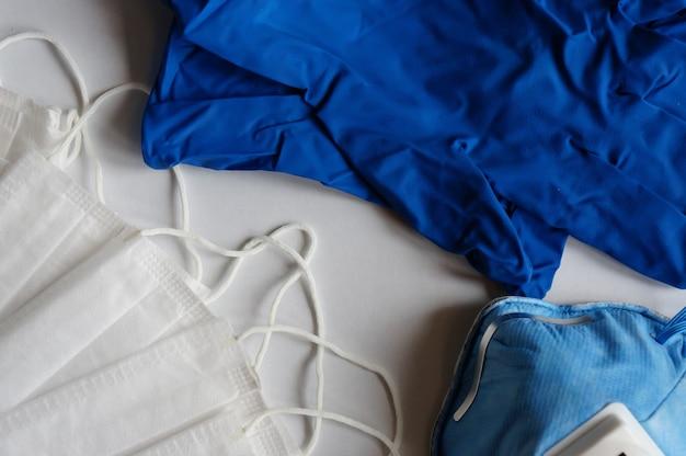 3 층 루프 형태의 안면 마스크, 방진 마스크 및 호흡 의료용 호흡 마스크