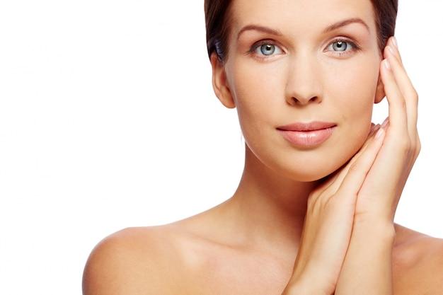 Физиономия лица красоты женщина косметолог