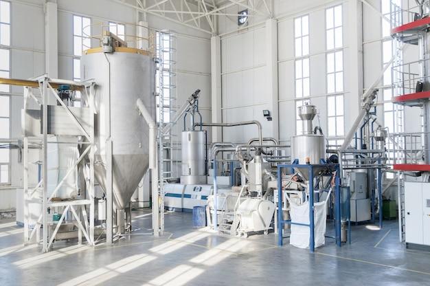 Факто машины для обработки и производства пластиковых гранул