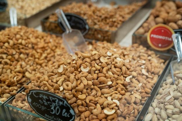 Аранжировка свежих вкусностей справедливой торговли