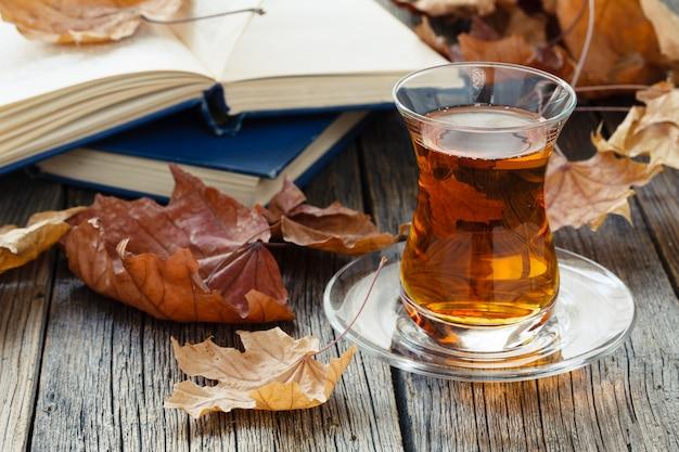 秋のお茶とお茶を飲みながらリラックスタイム