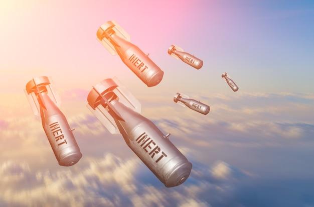 떨어지는 폭탄 무기 요금은 구름과 땅을 볼 수 있는 하늘 높은 전투기에서 떨어졌습니다.