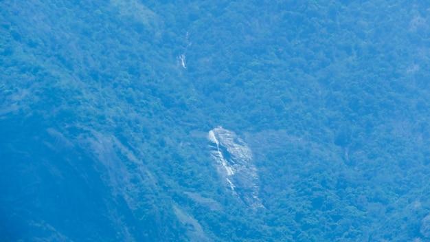 フォレストマウンテンの滝
