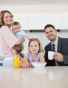 家族、朝食、テーブル、家