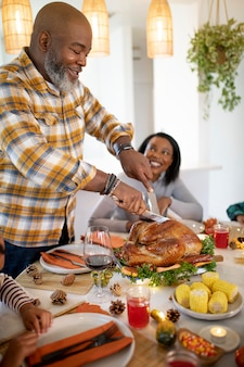 Family being ready for their thanksgiving dinner