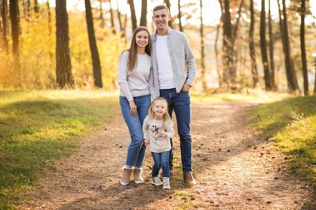 Famiglia nella foresta