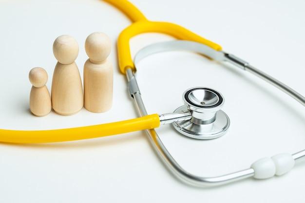 청진 기 및 추상 명 가족 건강 관리 개념입니다.