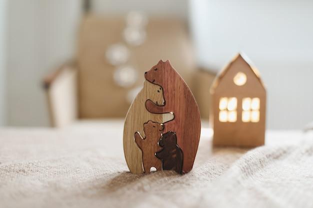 나무로되는 장난감의 가족은 아이들을위한 수제 나무로되는 ecofriendly 장난감을 품는다