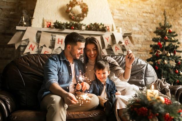 벵골 조명으로 크리스마스에 가족