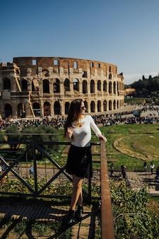 イタリア、ローマの有名なコロッセオ。