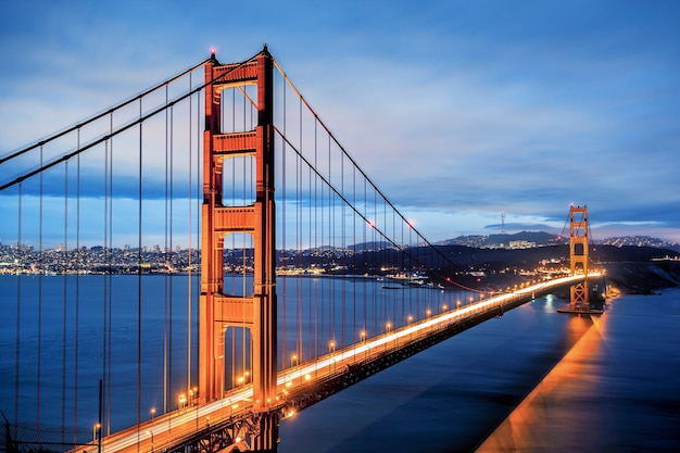 Знаменитый мост золотые ворота в сан-франциско, калифорния, сша