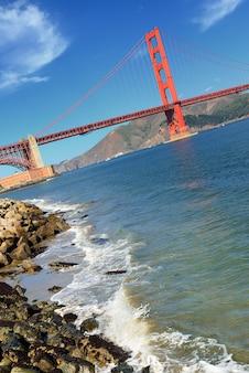 Знаменитый мост золотые ворота, сан-франциско, сша