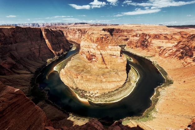 The famous horseshoe bend at utah, usa