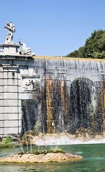 이탈리아 레지아 디 카세르타의 유명한 이탈리아 정원.