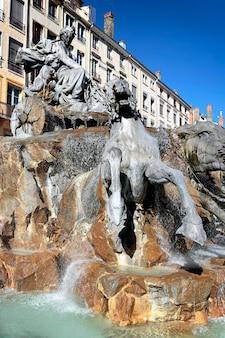 유명한 리옹 도시와 테로 광장