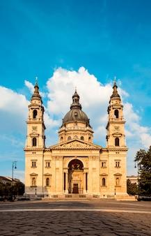 Famous  st. stephans-basilika in budapest, hungary