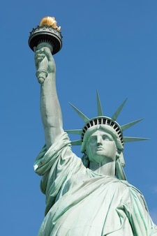 Знаменитая статуя свободы, нью-йорк.