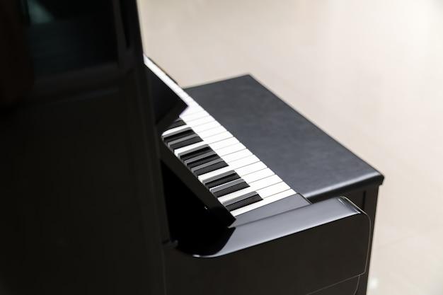黒い便とファンタスティックピアノ
