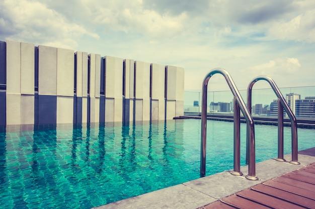 Фантастический бассейн для отдыха