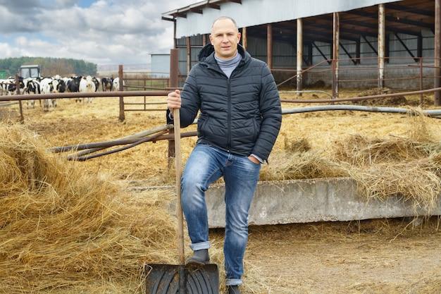 農場の牛の農家の肖像画