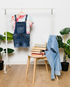 Fashion arrangement with denim clothes