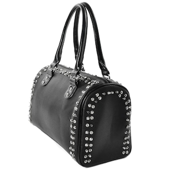 Женская черная сумка fashion beauty с серебряными заклепками на белом фоне