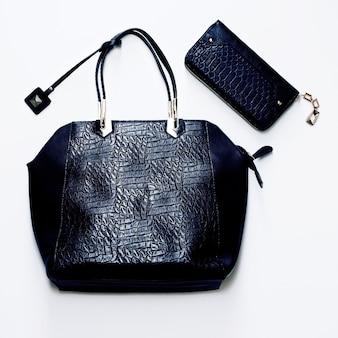 クロコダイルスキンのファッショングラマラスレディースバッグ。贅沢なスタイル