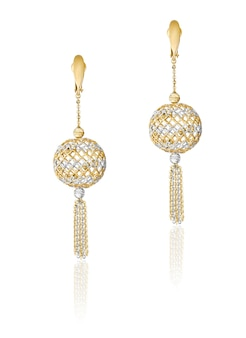 Fashion gold earrings. women's jewelry. best christmas gift for a woman.