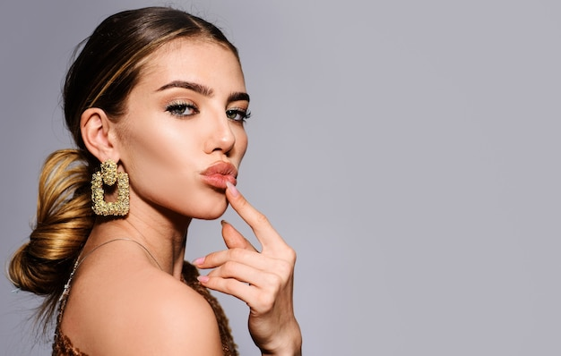 Fashion makeup and cosmetics, beautiful woman with jewelry, stylish accessories, beauty trends.