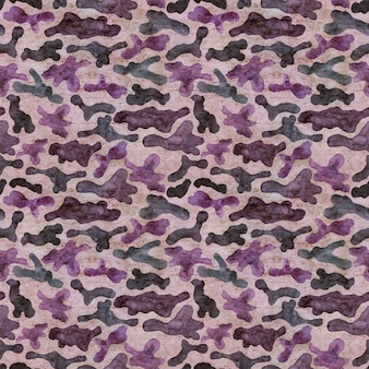 ファッションミリタリーハンティングカモフラージュ抽象的な背景。シームレスな森林パターン。茶色、ピンク、紫、青の色の森の質感。古い紙に水彩の手描きイラスト。