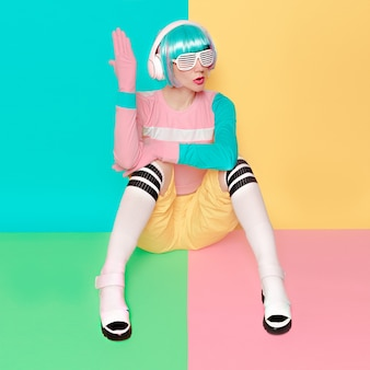 Мода поп-арт дизайн dj lady sweet vanilla party style