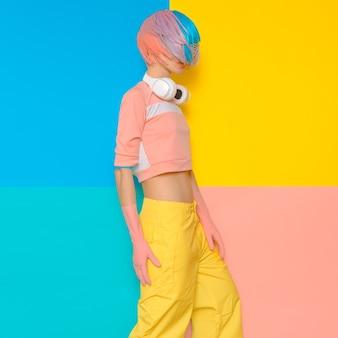 Модный дизайн в стиле поп-арт. минимализм. dj baby sweet vanilla в стиле вечеринки
