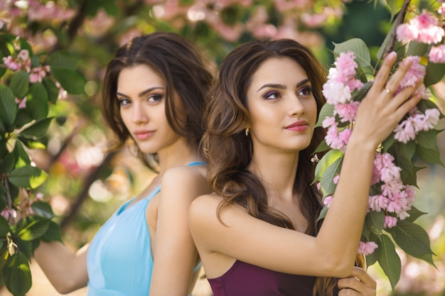 Fashion Models Two Sisters Twins Beautiful Girls Looking