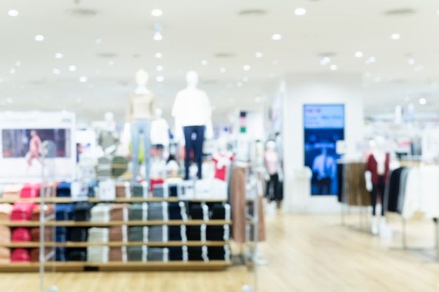 ファッションショッピングショッピングモールのファッション店の抽象的なぼやけた写真。