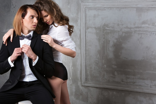 Фото стиля моды красивой пары.