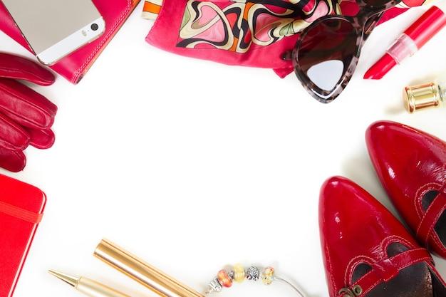 ファッションの女性、白のフレームとしての必需品ファッションの女性のオブジェクト