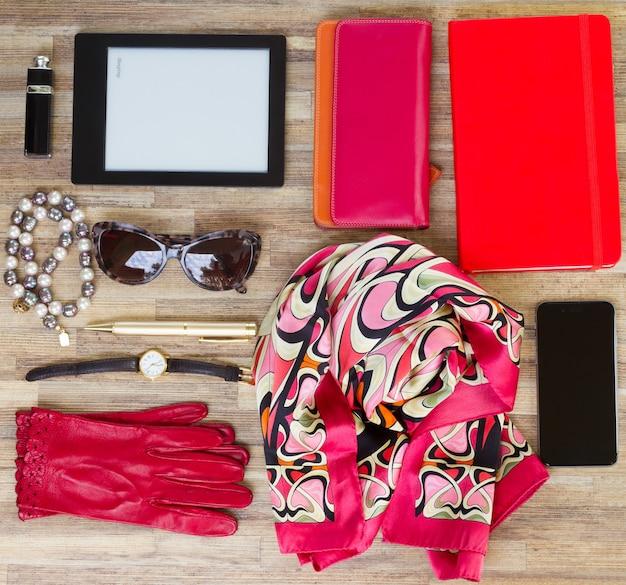 ファッション女性、必需品ファッション女性オブジェクト。