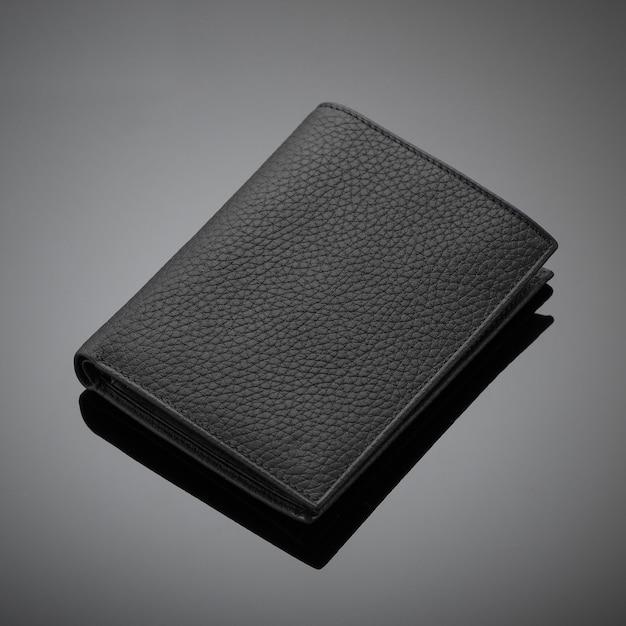 검정색 배경에 세련된 디자이너 가죽 남성용 지갑