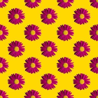 유행 여름 꽃 패턴입니다. 하드 그림자와 노란색 배경에 밝은 핑크 데이지