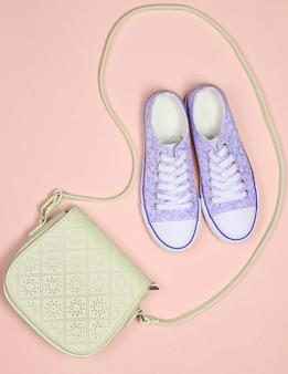 Модная женская одежда, обувь и аксессуары