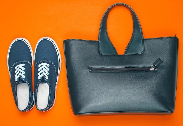 Модная женская обувь и аксессуары