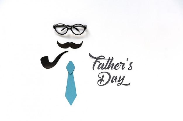 Дизайн поздравительной открытки ко дню отца с усами, галстуком и очками