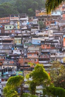 Favela da rocinha in rio de janeiro, brazil - august 26, 2021: favela da rocinha, seen from the neighborhood of gavea in rio de janeiro.