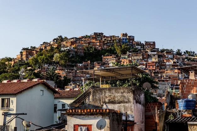 브라질 리우데 자네이루의 파 벨라. 프리미엄 사진