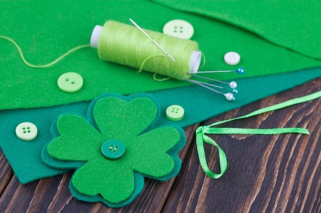 クローバーの葉を感じた、聖パトリックの日の装飾。針仕事、diy工芸品