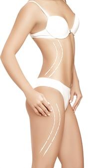 흰색에 고립 된 그것에 그리기 화살표와 함께 여성의 몸