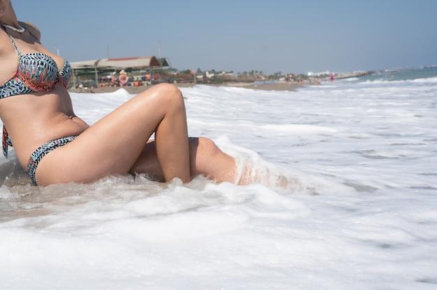 바다에서 여성 피트입니다.