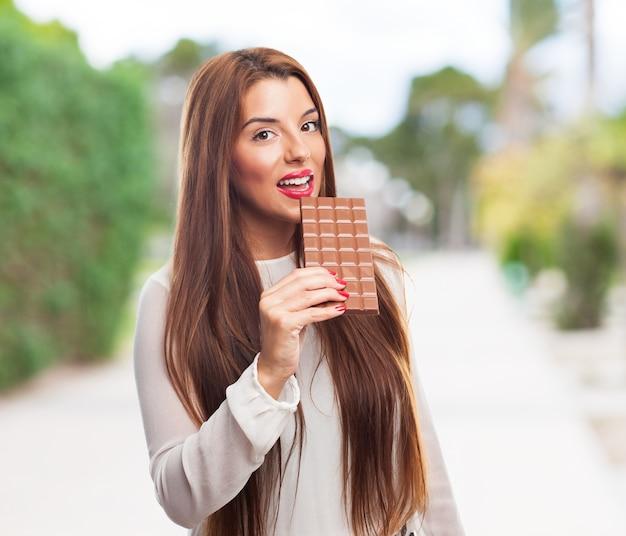 女性の髪幸せな茶色の美しさ